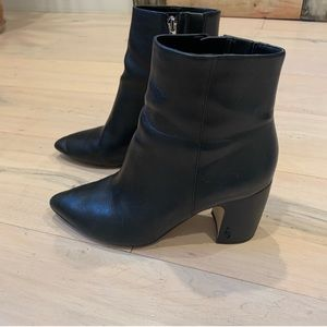 Sam Edelman Hilty Black Ankle Bootie - 8
